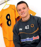JAKOBSSON SIGNS FOR WOLVES